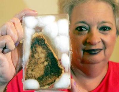 Meryem Ana silüetli sandvici satışa çıkardı