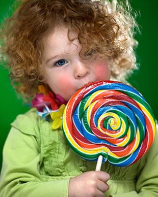 YANLIŞ: Şeker çocukları hiperaktif yapıyor