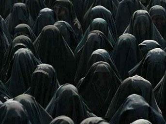 İran'da çok eşlilik artık yasal