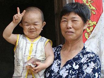 huang kaiquan - O asl�nda 40 ya��nda!