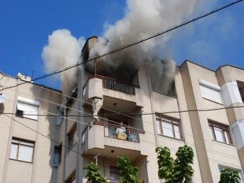 Salihli'de yürek yakan yangın