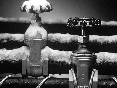 2) Soğuk kış günlerinde bazen su borularının patladığını duymuşsunuzdur. Bunun nedeni ne olabilir?