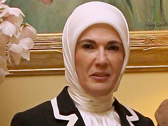 Emine Erdoğan'dan şaşırtan telefon