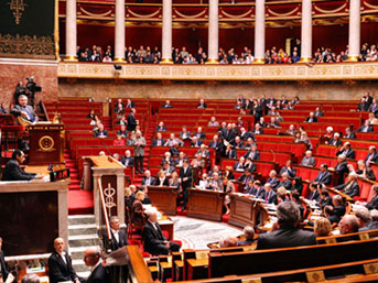 Fransa'da Sarkozy ve Ermenilere şok!