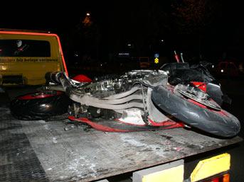 İzmir'de motor kazası: 2 ölü