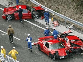 Dünyanın en 'pahalı' araba kazası