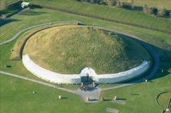 Newgrange /İrlanda :