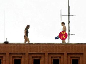 Okul çatısında seks!