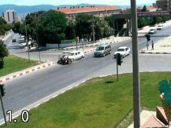 Turgutlu'da 5 Ki�inin Yaraland��� Kaza