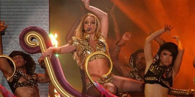 Britney Spears büyüledi