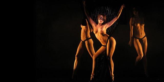 Striptiz şovları büyüledi